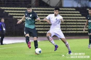 Antara aksi menarik Melaka United menentang Sabah di Likas. Foto: FB Melaka United