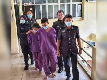 Kedua-dua tertuduh mengaku bersalah selepas dihadapkan di Mahkamah Majistret Raub semalam.