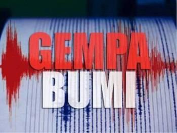 Gempa bumi sederhana bermagnitud 5.6 pada skala Richter melanda Jawa, Indonesia pada jam 8.56 pagi tadi.