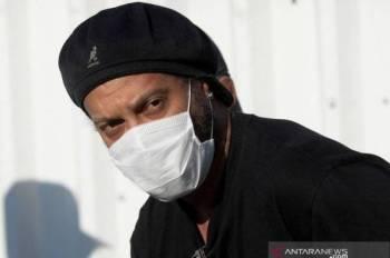 Bintang bola sepak Brazil Ronaldinho disahkan dijangkiti koronavirus (Covid-19).