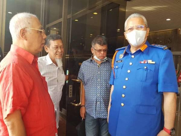 Annuar turut menghadiri mesyuarat khas Ahli Parlimen BN di Menara Dato' Onn hari ini.