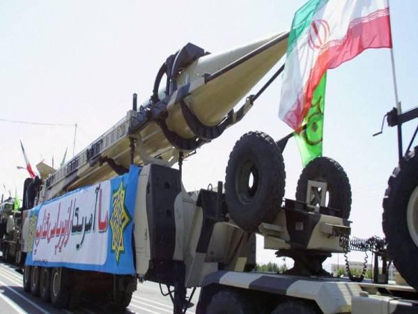 Iran mempunyai peluru berpandu Shahab 3 yang boleh menjangkau sasaran 2,000 kilometer.