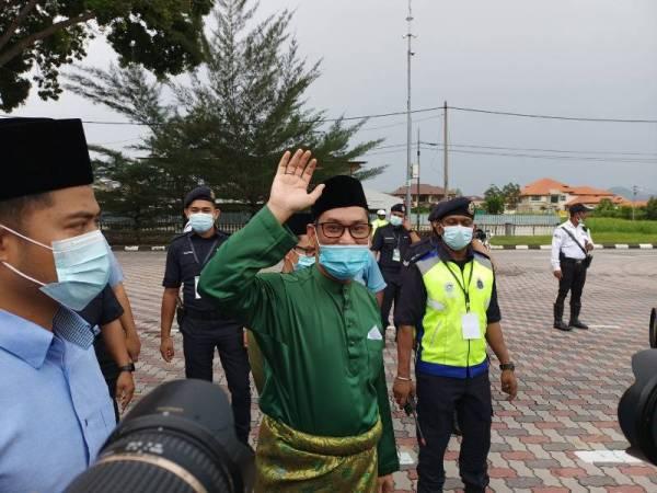 Ahmad Faizal ketika ditemui sejurus selesai sembah mengadap Sultan Perak di Istana Kinta hari ini.