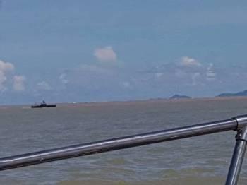 Operasi pencarian mangsa sedang dilakukan oleh pihak APMM dengan kerjasama daripada PDRM dan JBPM di perairan muara Sungai Bolong, Tuaran.