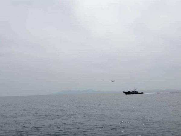 Operasi mencari dan menyelamat dijalankan Maritim Perak ke atas seorang awak-awak warga Myanmar yang dilaporkan hilang di Pulau Talang, Lumut.