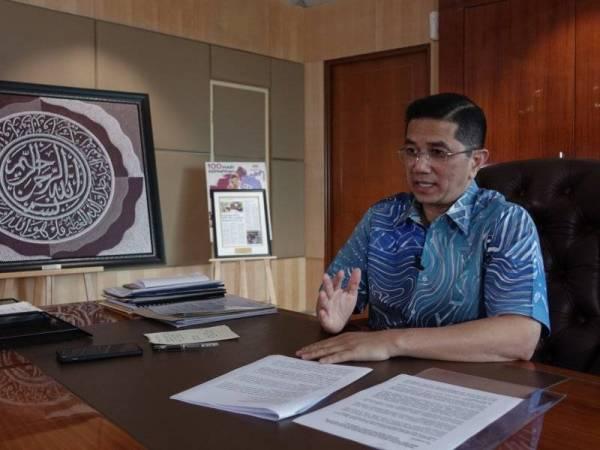 Mohamed Azmin ketika diwawancara Sinar Ahad di pejabatnya di Kuala Lumpur baru-baru ini.