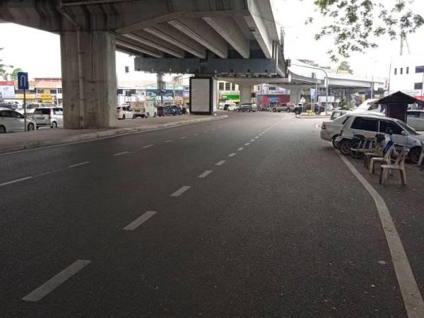 Antara lokasi tumpuan penjaja di persimpangan lampu jalan di bandar Kota Bharu sebelum ini.