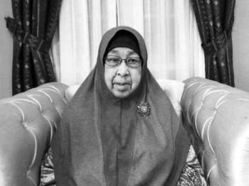Zainab meninggalkan lapan orang anak, tujuh menantu, 43 cucu dan 27 orang cicit.