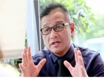 Datuk Norhizam Hassan Baktee.