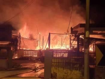 Enam sekeluarga yang terselamat dalam kebakaran awal pagi Khamis