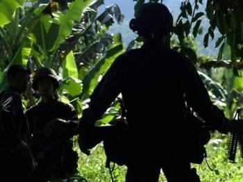 Insiden berbalas tembakan itu berlaku ketika pasukan keselamatan Filipina mahu memberkas pemimpin Abu Sayyaf yang didakwa paling kejam. - Foto: AFP