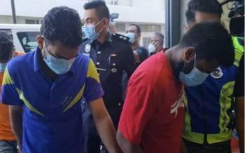 Seramai tiga lelaki warga Bangladesh didakwa di Mahkamah Majistret Kajang pada Jumaat, atas pertuduhan menculik seorang rakan senegara dan meminta wang tebusan, Ogos lalu.