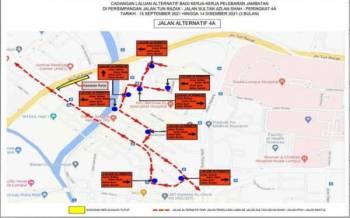Cadangan jalan alternatif berikutan penutupan jalan dan lencongan trafik di persimpangan lampu isyarat Jalan Sultan Azlan Shah/Jalan Tun Razak mulai 15 September hingga 14 Disember ini. - Foto DBKL