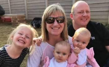 Detik gembira ketika pasangan Dickason itu bersama ketiga-tiga anak mereka. - Foto Agensi