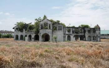 Istana Raja Muda di Jalan Syed Abu Bakar di Teluk Intan.