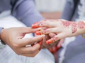 Kelantan membenarkan majlis akad nikah dijalankan di premis persendirian atau masjid secara bersemuka tanpa sebarang sentuhan berkuat kuasa serta-merta. Gambar hiasan