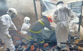 Mangsa ditemui rentung selepas terperangkap dalam kebakaran di rumahnya di Kampung Nyaris-Nyaris, Bongawan, Papar awal pagi Isnin.