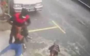 Rakaman video cubaan ragut yang tular di media sosial.